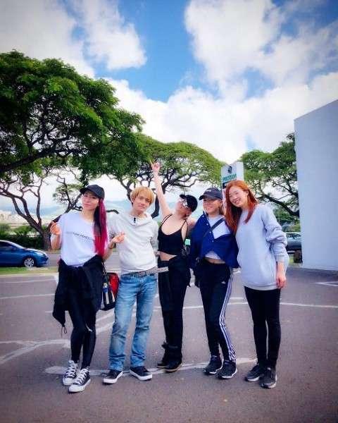 浜崎あゆみ、インスタに露出度高い写真披露 「乳首見えてそう」「痴女」と批判の声も|ニフティニュース