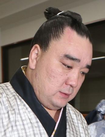 日馬富士 休場の理由は左上腕の故障「約6週間の加療を要する」と診断 (スポニチアネックス) - Yahoo!ニュース