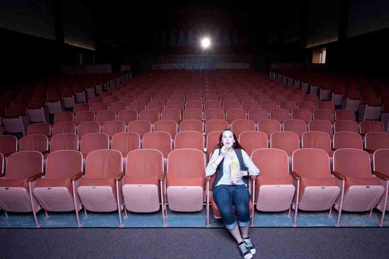「映画をひとりで観ても哀しくならないテク」とやらに一人映画常連からツッコミが入りまくる