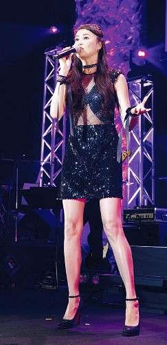 観月ありさが25周年ライブ! デビュー曲「伝説の少女」を「60歳になっても歌い続けたい」