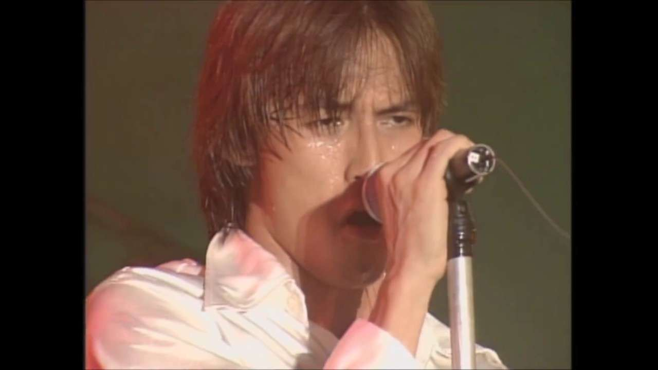 B'z「LOVE PHANTOM」Live Gym PLEASURE95 - YouTube