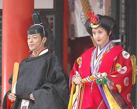 陣内智則&松村未央アナ、結婚後初ツーショット!ハワイ挙式へ出発