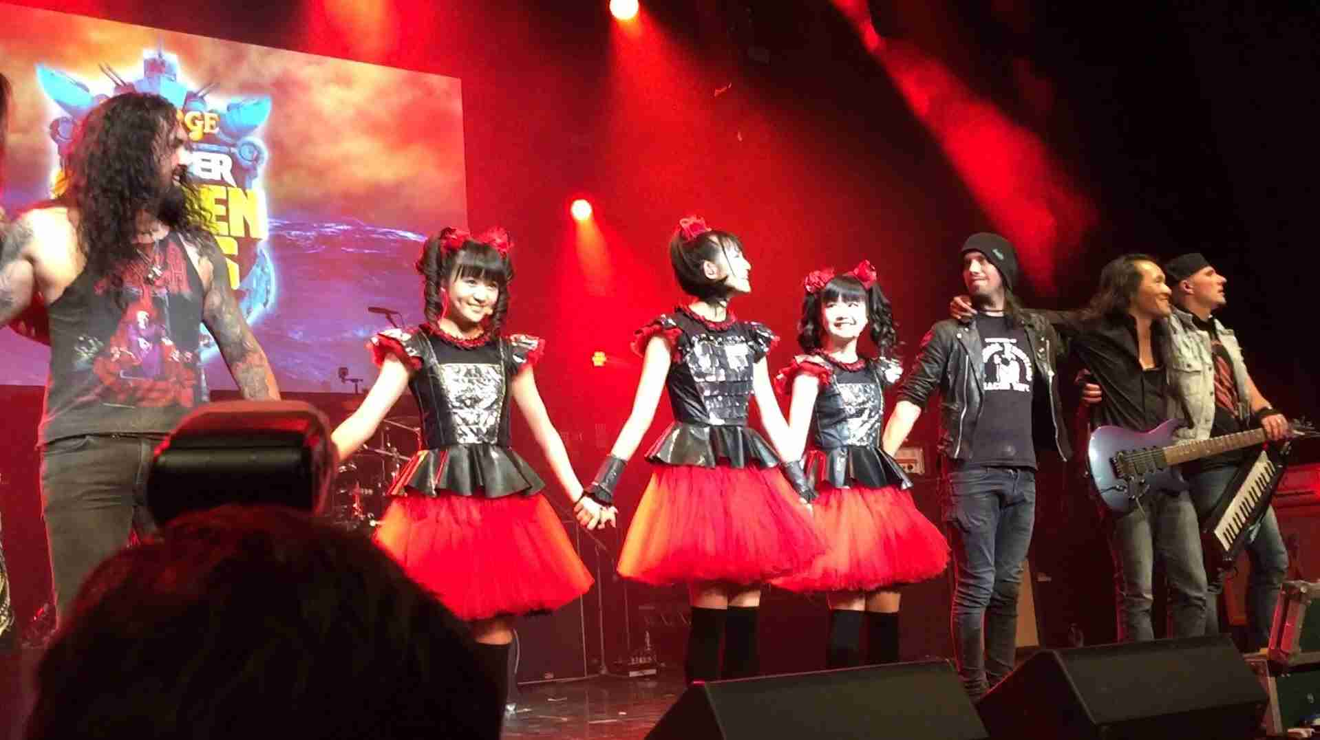 BABYMETAL with Dragonforce - Gimme Chocolate (ギミチョコ!!)  at Golden Gods, o2,  60fps - YouTube