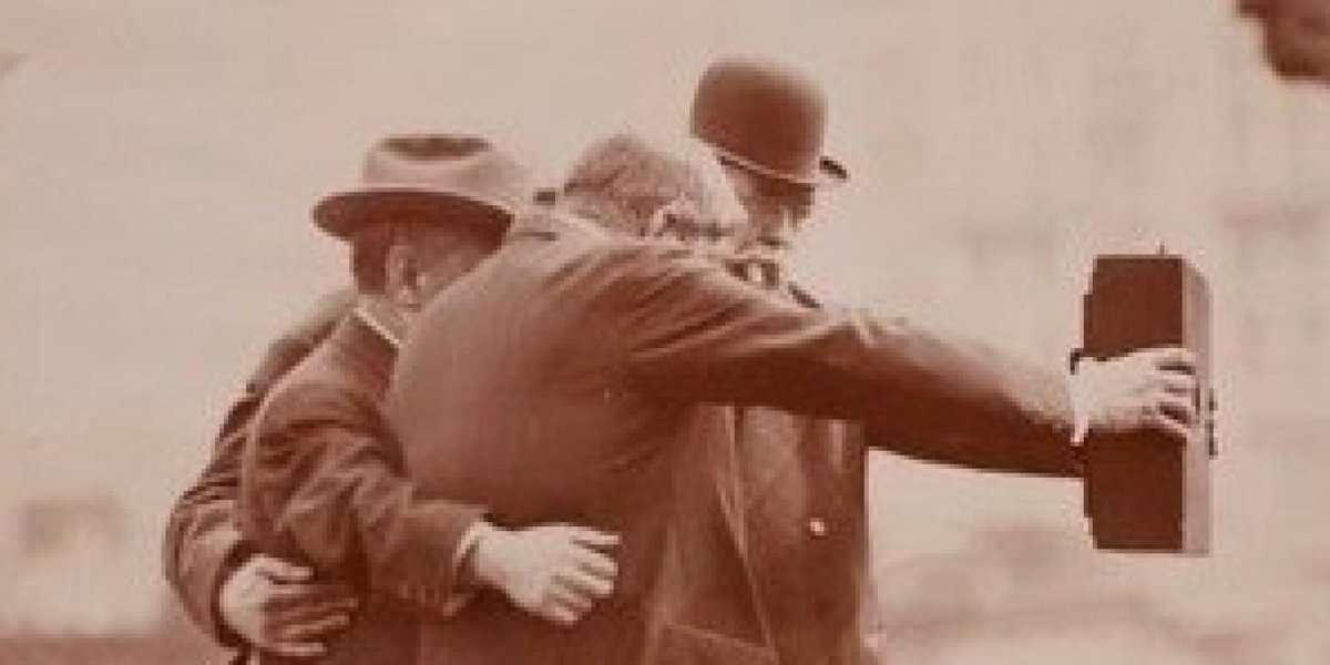 パリス・ヒルトン「自撮りの第一人者は私!」