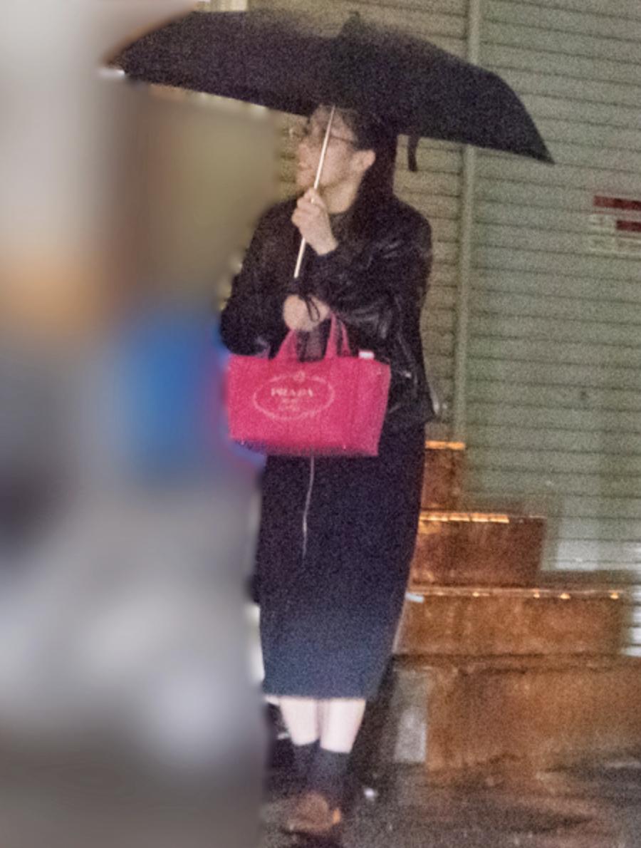 吉田沙保里 ピンクPRADAで金髪イケメンと合コン撮