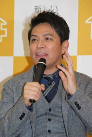 ますだおかだの岡田圭右 左手薬指に指輪なし…離婚?「前向きにやってる」