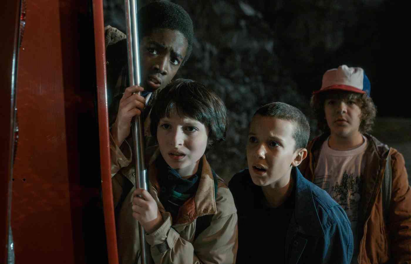 Netflixドラマ『ストレンジャー・シングス』と80年代ネタ元映画との比較映像が公開!