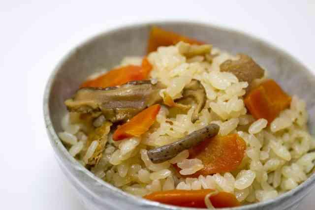 秋の味覚「炊き込みご飯」全国での呼び方はさまざまであることが判明 - ライブドアニュース