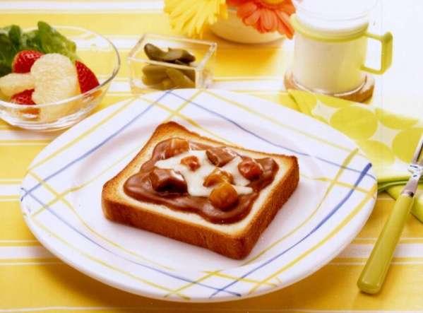 「朝食に昨晩のカレーは許せる?」という相談に非難集まる 一方で「毎日でもいい」という容認派も多数
