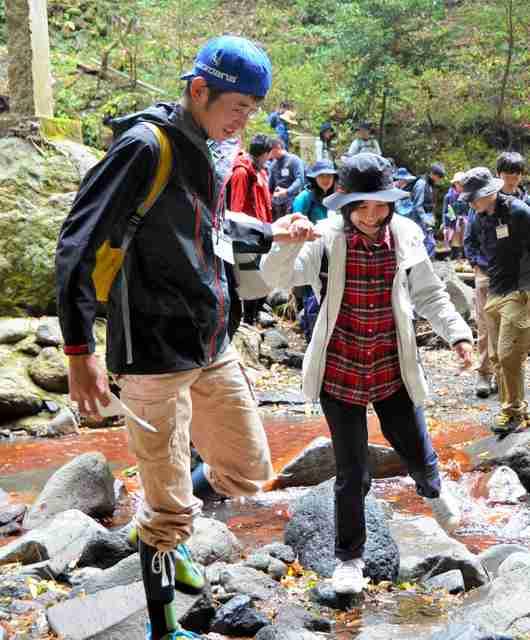 「山コン」、カップル誕生率5割 手を取って川渡りも:朝日新聞デジタル