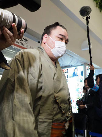 日馬富士が引退決意!きょうにも福岡県内で記者会見 (日刊スポーツ) - Yahoo!ニュース