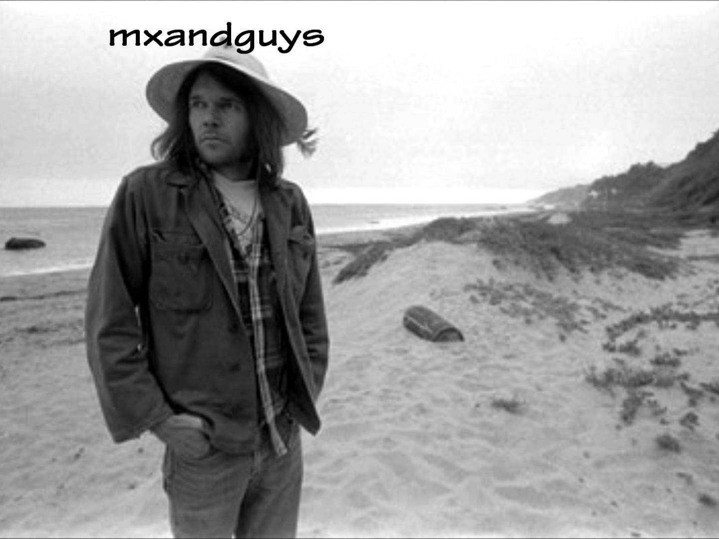 Neil Young - Heart of Gold/Lyrics (Full HD) - YouTube