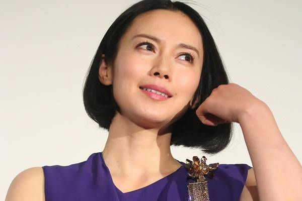 中谷美紀 生涯独身宣言も…完璧女優が行う