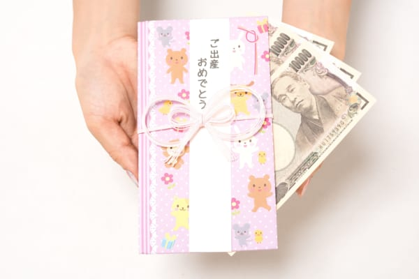 出産祝いに現金を包むのは失礼? 斜め上を行く新米ママの発言が物議