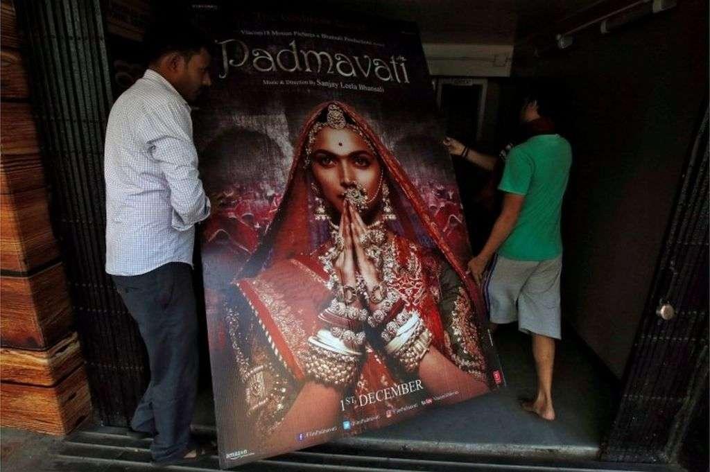 Padmavati: India's Supreme Court rejects bid to block Bollywood epic - BBC News