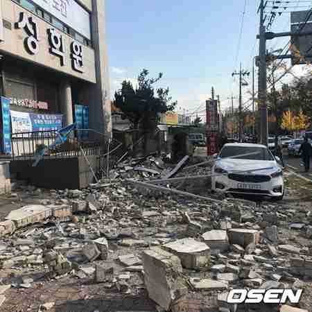 浦項でM5.4規模の地震…一部地域で建物被害深刻=韓国|ニフティニュース