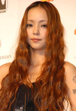 安室奈美恵、声帯炎で急きょ公演中止 開演直前ドクターストップ | ORICON NEWS