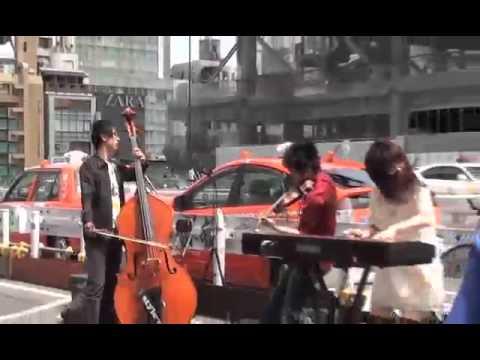 新宿路上でやってたすごすぎるバイオリン演奏 - YouTube