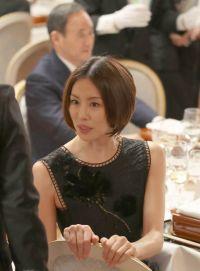 トランプ氏歓迎の夕食会、メディアが大注目したのはピコ太郎ではなくこの美女!正体は?