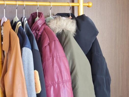 ダウンジャケットは「素肌に直接」が暖かい?「目から鱗」「無理」と話題