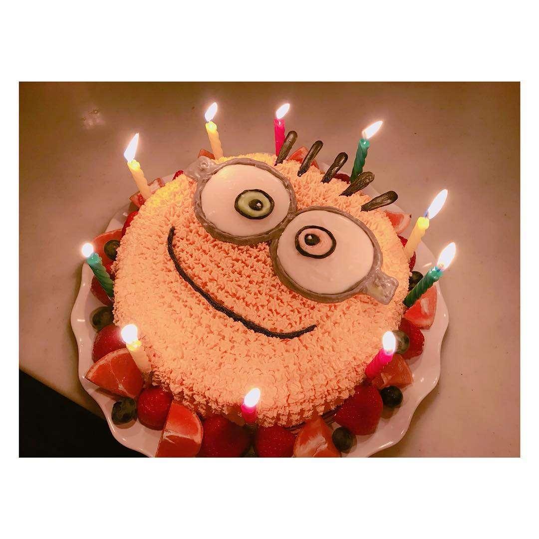 辻希美、豪快なんてレべルじゃない…ガサツすぎるケーキの食べ方に批判の嵐