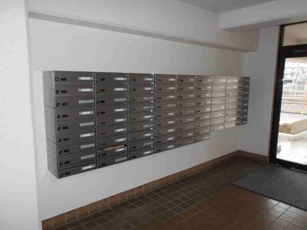 NHK集金人がプッシュ式の郵便受けの鍵を片っ端から押しまくっていた理由…