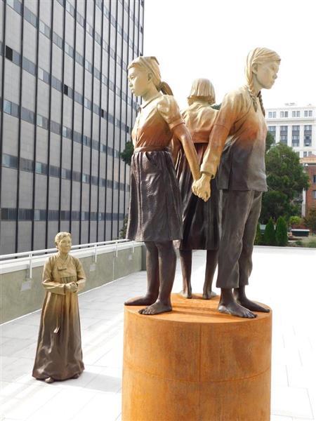 【歴史戦】サンフランシスコ市、慰安婦像の寄贈受け入れ 市長が文書に署名 - 産経ニュース