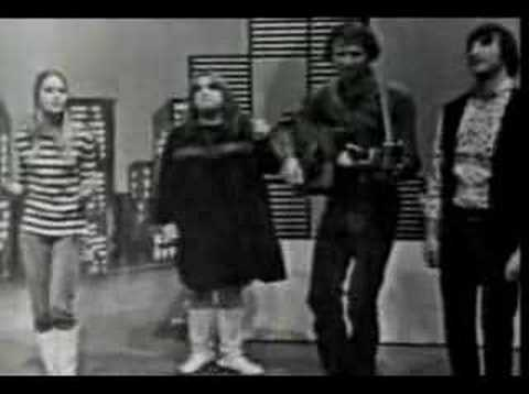 The Mamas & The Papas: California Dreamin' - YouTube