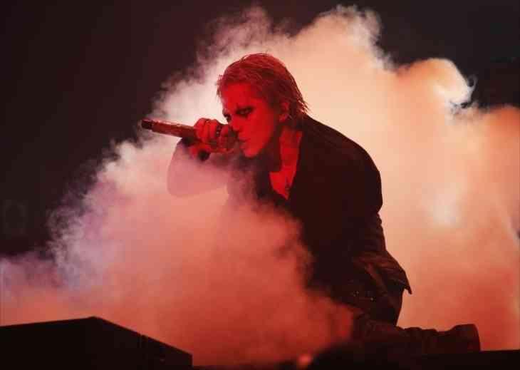 VAMPS、約2年半ぶりワンマン・アリーナ公演でツアー有終の美/レポート (MusicVoice) - Yahoo!ニュース