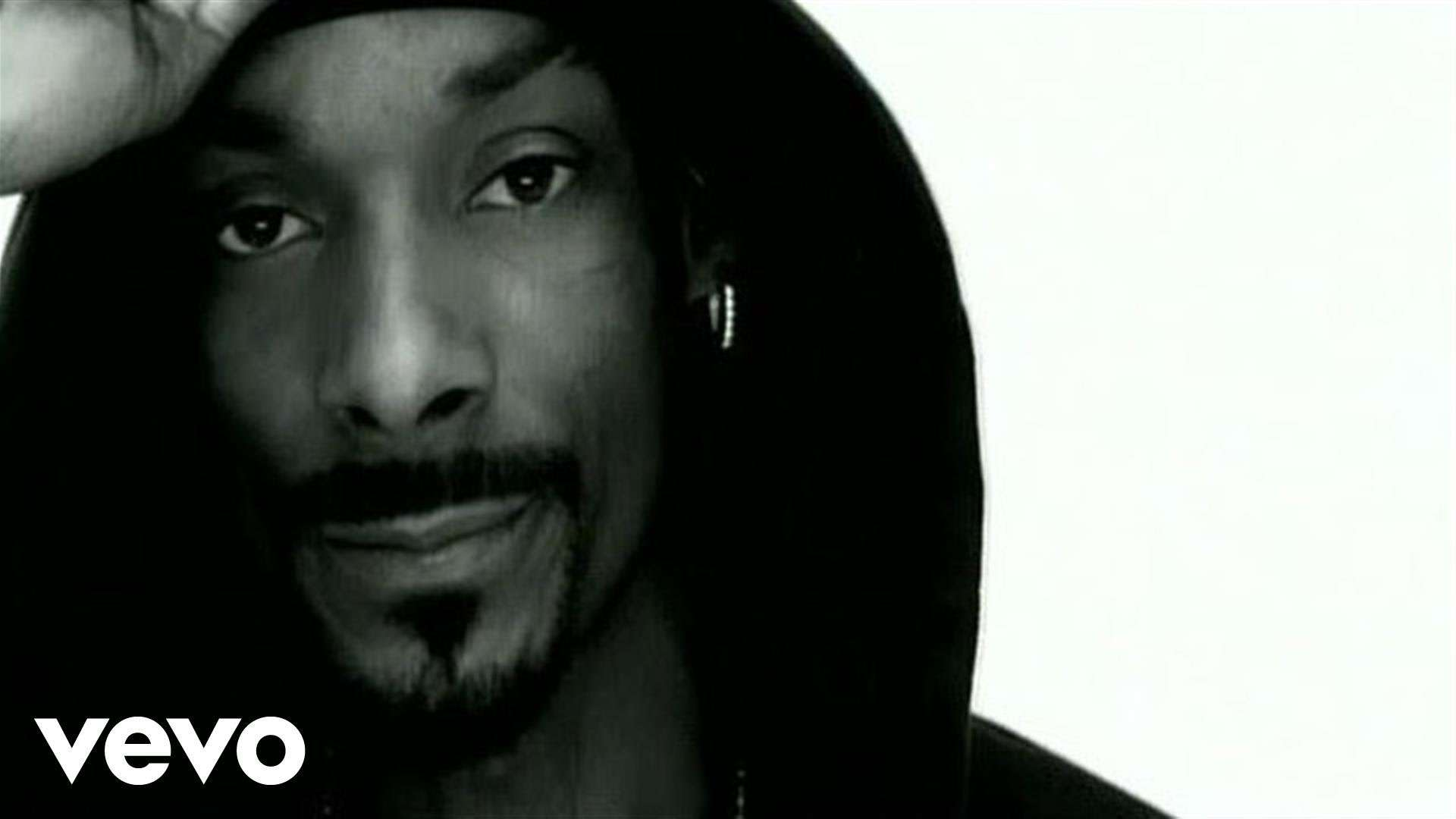 Snoop Dogg - Drop It Like It's Hot ft. Pharrell Williams - YouTube