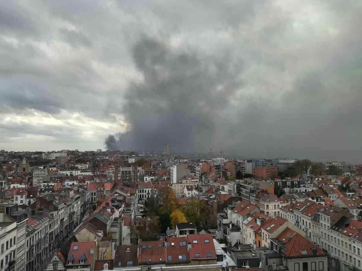 工場ごとベルギーワッフル焼ける 首都ににおい充満、けが人なし