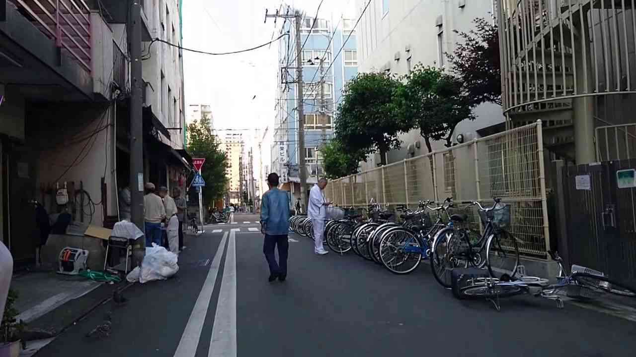 横浜のドヤ街、寿町を歩いて見た。I tried to walk a flophouse area Kotobuki-cho, Yokohama - YouTube