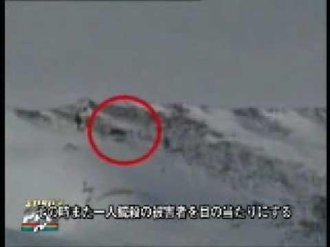 中国軍がチベットの巡礼者を無差別に撃ち殺す映像 - YouTube