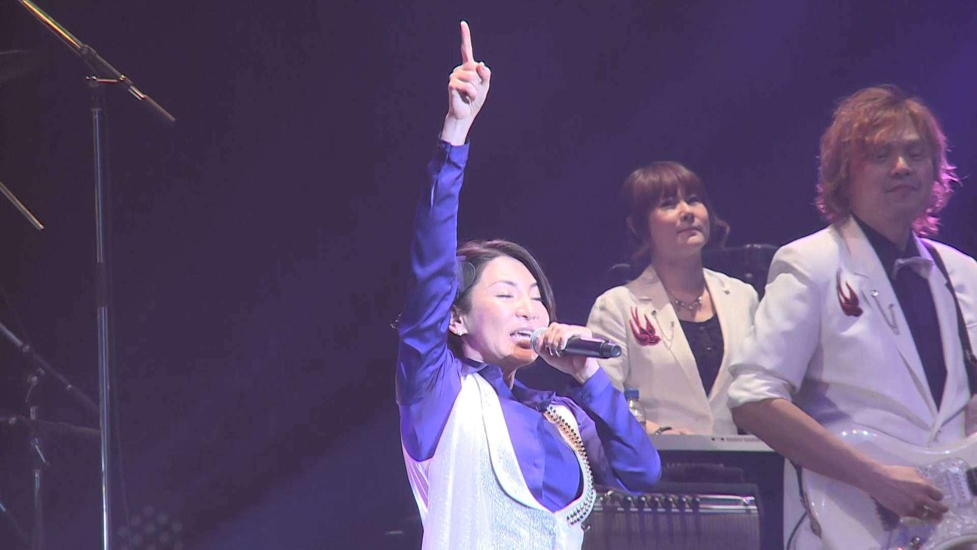 【ロマンスの神様 キー上げVer】Winter Tour 2016〜出会いの奇跡を大切に〜 - YouTube