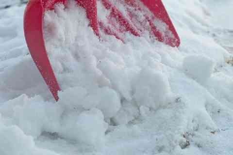 「雪かきをしないとなじられ」供述 青森の母親刺殺事件 - ライブドアニュース