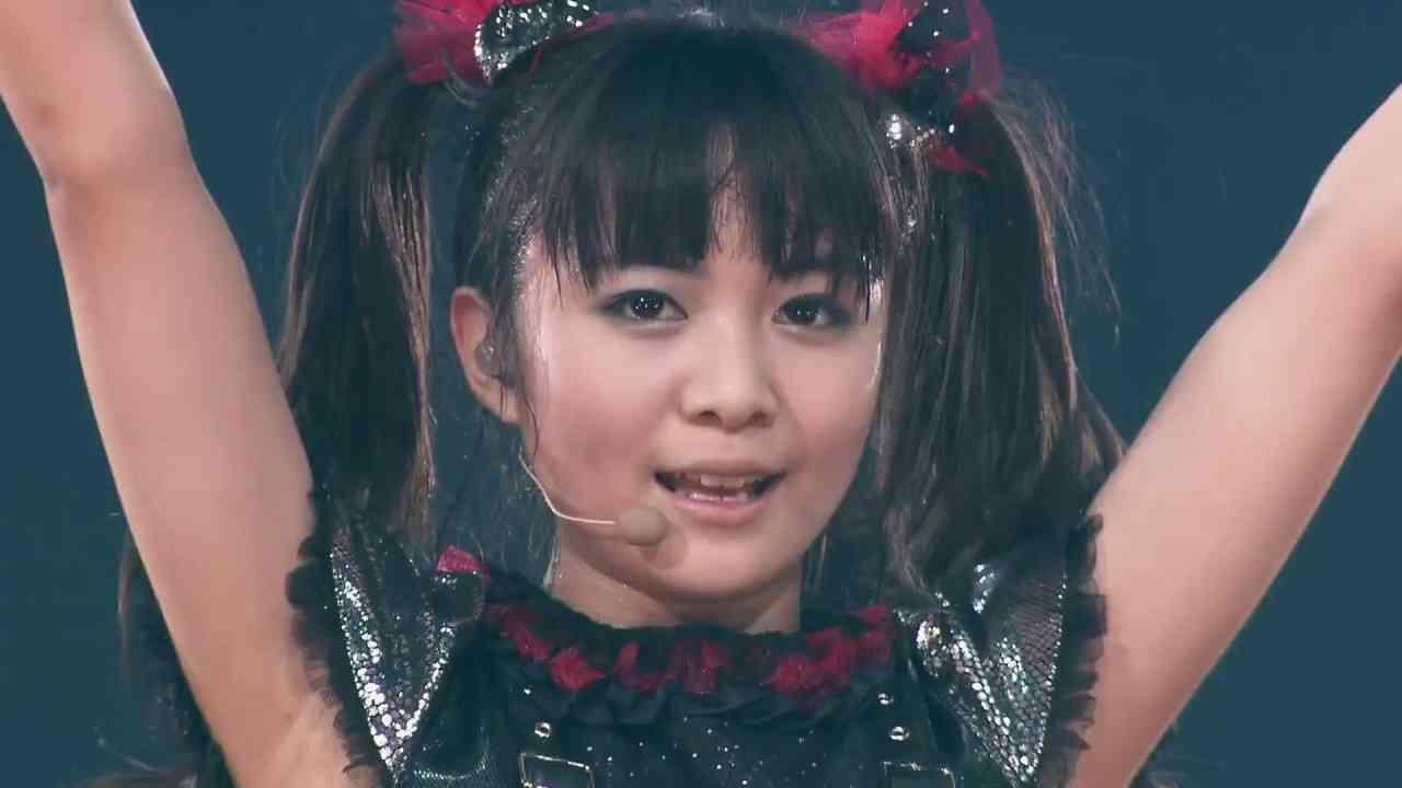 BABYMETAL イジメ、ダメ、ゼッタイ Ijime, Dame, Zettai  [Budokan Black Night] - YouTube