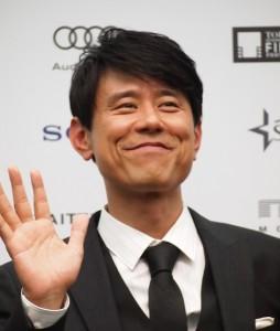 """原田泰造「石田純一さんはすごい」 主演映画会見で""""両手に花""""も「複雑な気持ち」"""
