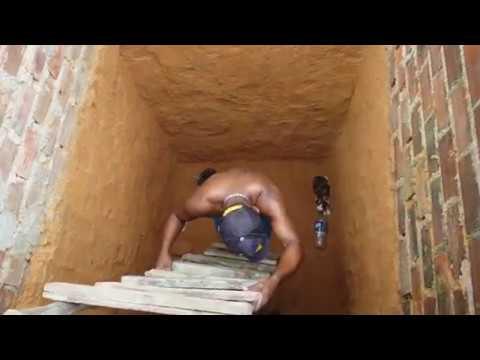 穴に落ちた猫を救出 - YouTube