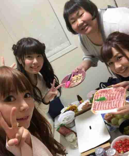 しょこたんこと中川翔子の家で安藤なつ、竹達彩奈、大家志津香と焼肉パーティー