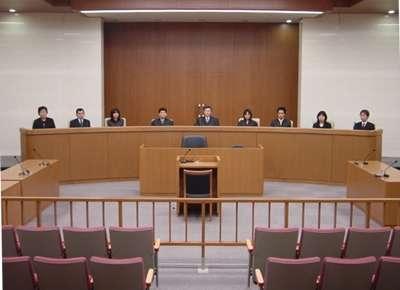 女性被告 法廷でブラジャー認めて 大阪府警に申し入れ