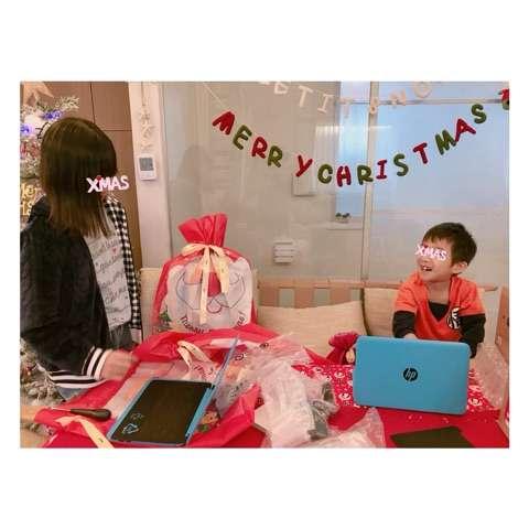 杉浦太陽 妻・辻希美とサンタコスで2ショット公開「みんなの笑顔が見られてよかった」