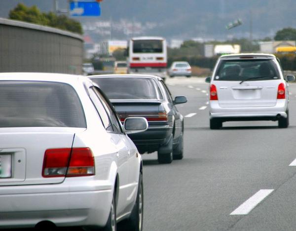 「あおり」など危険運転防止へ点数によらず免停処分