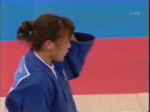 アテネ五輪女子柔道52kg級準決勝 横澤由貴vsサボン(キューバ) - YouTube