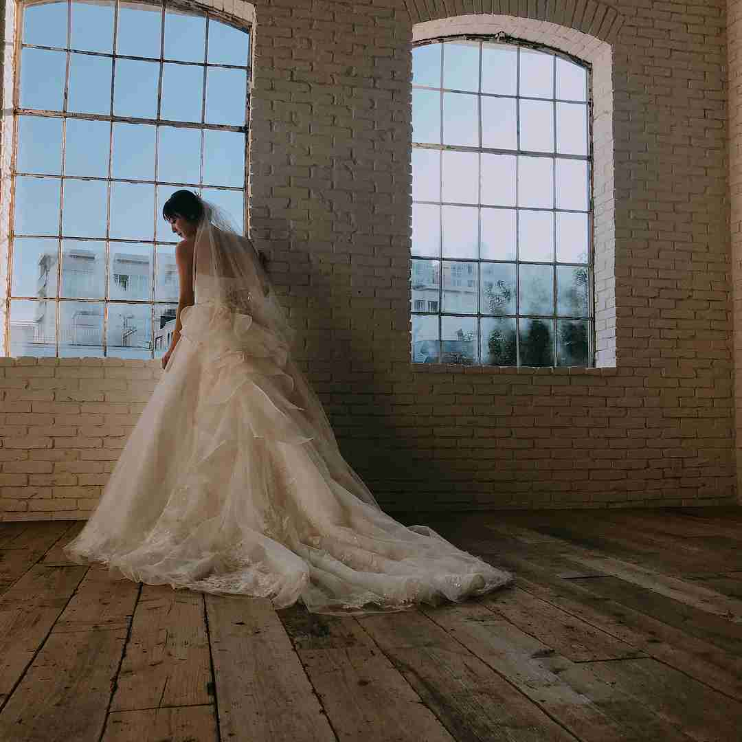 佐々木希、花嫁ドレス姿を披露して反響続々「渡部が羨ましい」の声