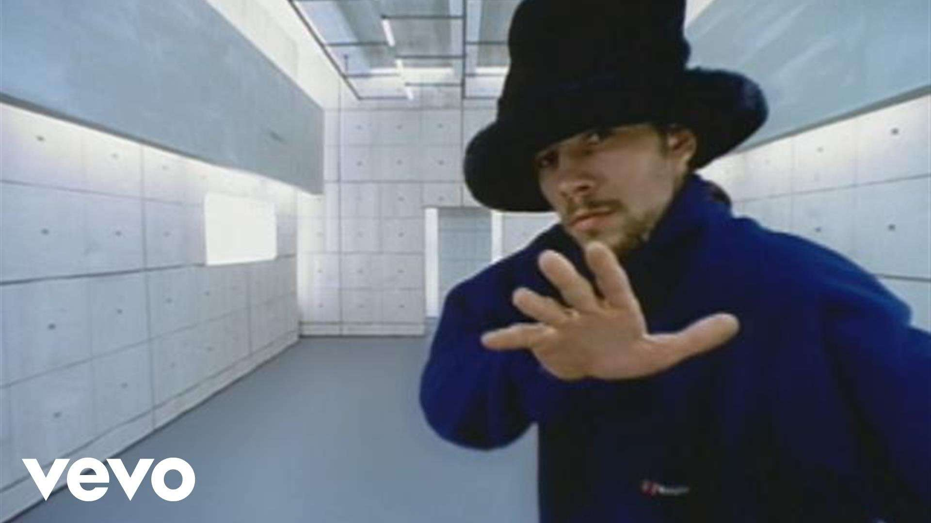 Jamiroquai - Virtual Insanity (Official Video) - YouTube