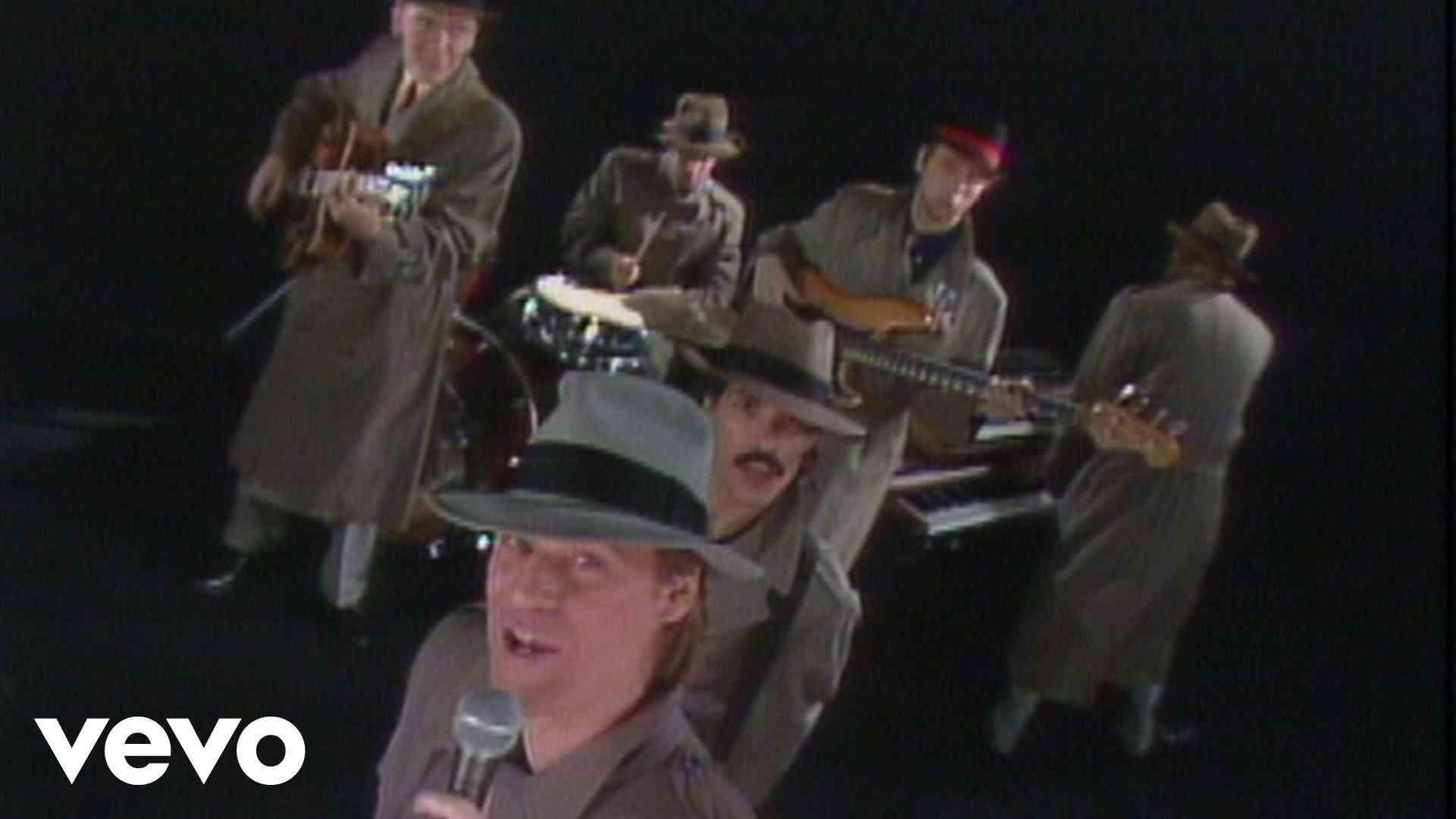 Daryl Hall & John Oates - Private Eyes - YouTube