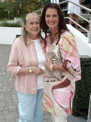 ステージママとして知られたブルック・シールズの母、死去 享年79歳 - シネマトゥデイ