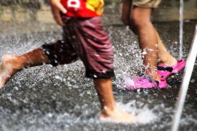 全文表示 | 噴水の水で幼女の下半身が重傷に プールや風呂場にひそむ危険 : J-CASTヘルスケア