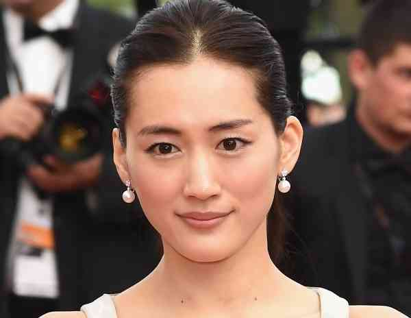 両方なんて最強!2位綾瀬はるか「可愛い×色気が共存する女優」1位は|ニュース&エンタメ情報『Yomerumo』