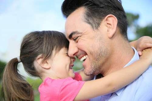 可愛い女の子にしたい!「父親の遺伝子」の方が母親より優勢的って本当?|ウーマンエキサイト